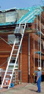 Dachdecker -Aufzug Schräg 12 m  150 kg_steckbar mieten leihen